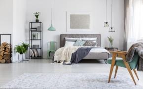 3 sposoby na aranżację ściany nad łóżkiem w sypialni